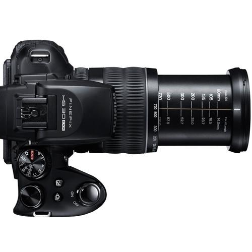 Fujifilm Finepix HS30EXR lato