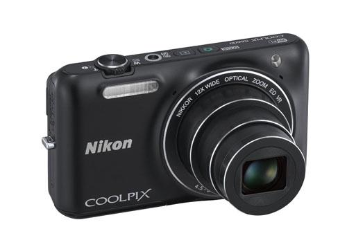 Nikon Coolpix S6600 fronte