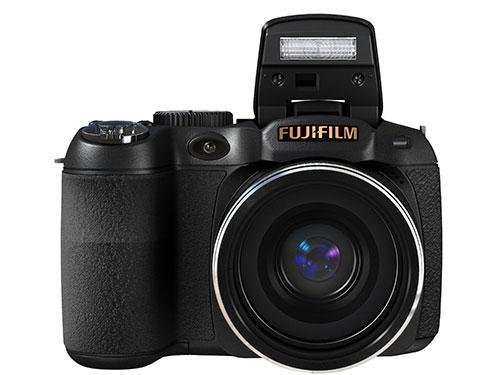 Fujifilm-FinePix-S2800HD-flash