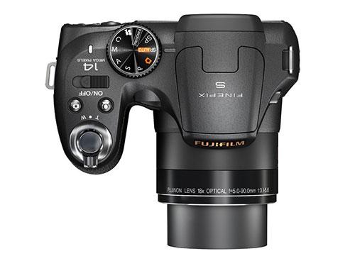 Fujifilm-FinePix-S2800HD-superiore