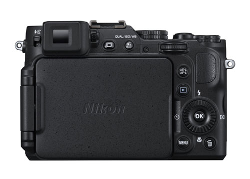 nikon-coolpix-p7800-display-chiuso