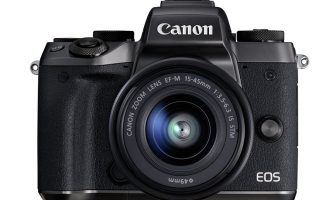 canon eos m5 recensione
