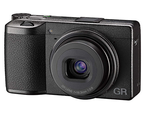 ricoh gr iii fronte