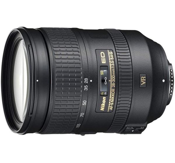 obiettivo Nikkor AF-S 28-300mm f3.5-5.6G ED VR
